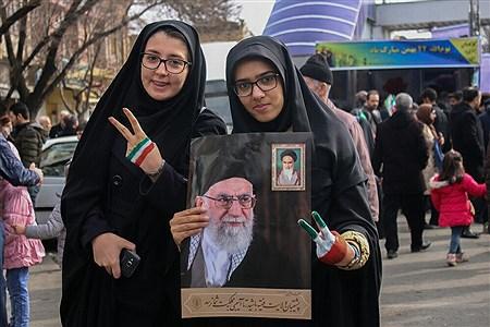راهپیمایی 22 بهمن در تبریز-2   Pana