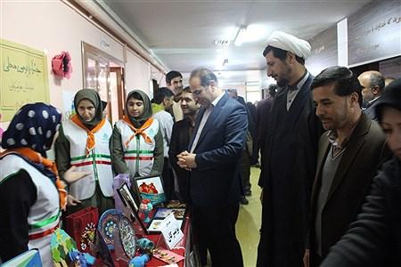 بازدید مدیرکل آموزش و پرورش استان همدان از غرفه های جشنواره بومی محلی سازمان دانش آموزی | MohammadReza Ebrahimi