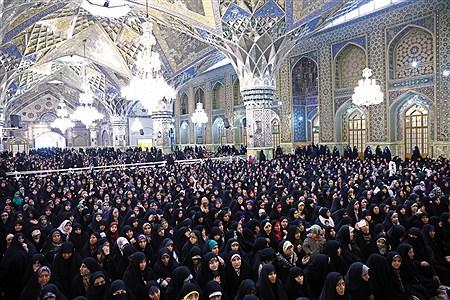 حضور رهبر معظم انقلاب در اجتماع زائران و مجاوران حرم مطهر رضوی | Khamenei.ir