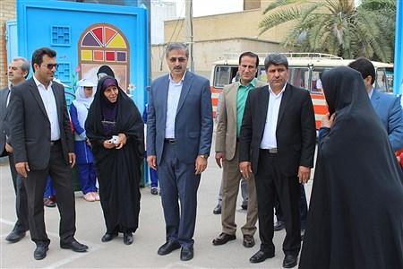 پایگاه جمع آوری کمک به مناطق سیل زده دبستان مصلحیان  بوشهر | Farnoush shaker