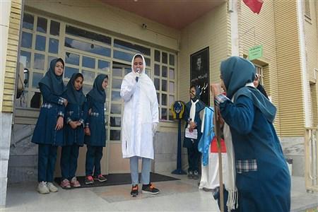 برنامه های دبستان دخترانه ملایر به مناسبت هفته سلامت   Soodabeh Takalloo