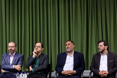دیدار جمعی از شاعران و اهالی فرهنگ و ادب با مقام معظم رهبری | khamenei.ir