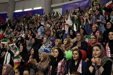 حضور بانوان ایرانی در بازی تیم ملی والیبال  ایران  | Zahra Talei