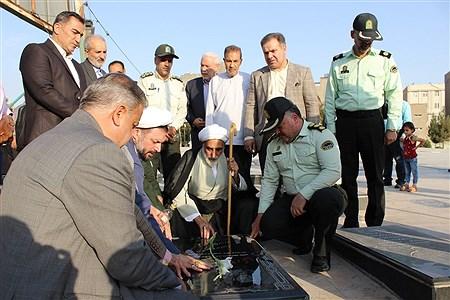 مراسم  عطر افشانی و گلباران مزار شهدا یادبود شهدای محراب و نماز جمعه در اسلامشهر | Fateme Qadamzadeh