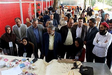 بازدید معاون پرورشی و فرهنگی آموزشوپرورش از نمایشگاه آثار تجسمی دانشآموزان جشنواره فرهنگی و هنری  | Amir Gholami