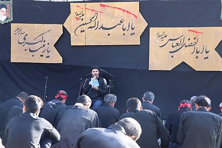 مردم آباده همنوا با حضرت زینب (س)در غروب عاشوراو مراسم عزاداری وخیمه سوزان  بانگ یا حسین سر دادند.    Mohmad Mehdi Erfan