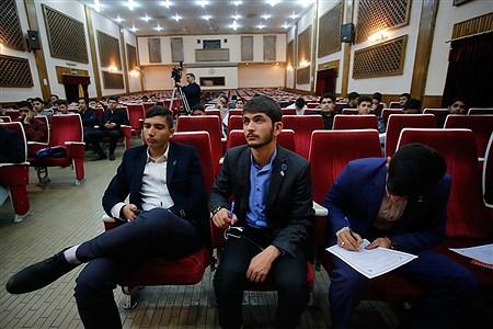 کارگاههای آموزشی گفتمان پیشرفت علم و تبیین بیانیه گام دوم انقلاب برای نمایندگان مجلس دانشآموزی | Mahdi Maheri