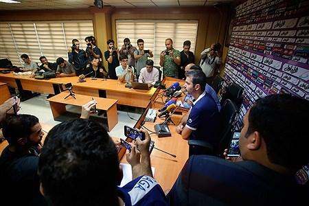 نشست خبری مربیان استقلال و پرسپولیس پیش از بازی دربی | Hossein Paryas