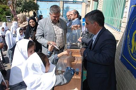 برگزاری آیین مهرعاطفه ها در مدارس ناحیه یک ری  | Naghmeh Mokhtari