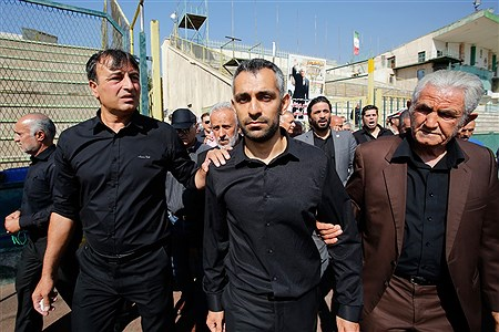 مراسم تشییع پیکر «جعفر کاشانی» پیشکسوت فوتبال ایران | Hossein Paryas