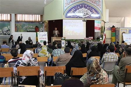 مراسم انتخابات انجمن اولیا و مربیان در مدرسه آیین روشن   Zahra Alihashemi