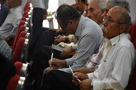 نشست صمیمانه مدیرکل و مسؤولین آموزش و پرورش استان با فرهنگیان بازنشسته | Ghazal haghi