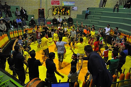 گردهمایی پهلوانان کوچک(نونهالان ونوجوانان )درمحل زورخانه الغدیر بیرجند باحضور 200 ورزشکار نونهال و نوجوان استان با حضور مسئولان استانی برگزارشد.   Pourya Arasteh