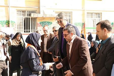 آیین نمادین بیست و دومین دوره انتخابات شورا های دانش آموزی خراسان رضوی    Javad Ebrahimi