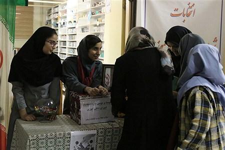بیست و دومین دوره انتخابات شورای دانش آموزی در میان دانش آموزان با نیازهای ویژه   Zahra Alihashemi