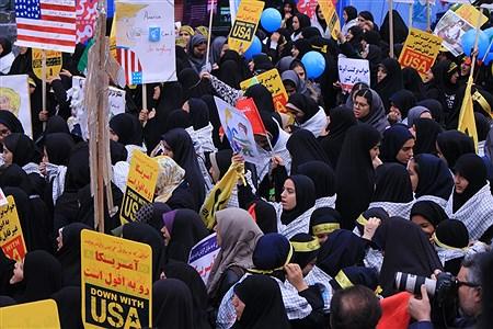 13 آبان از نگاه خبرنگار دانش آموزان تهرانی | Iilia kharatchi