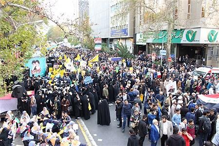 13 آبان از نگاه خبرنگار دانش آموزان تهرانی | Reyhaneh Omranzadeh