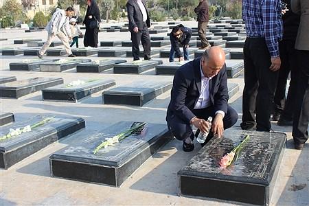 عطر افشانی مزار شهدای شهرستان اسلامشهر به مناسبت افتتاح هفته فرهنگی | Fatemeh Gadamzadeh