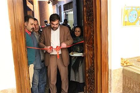آئین بازگشایی نگارخانه هنراداره فرهنگ و ارشاد اسلامی اسلامشهر   Fatemeh Gadamzadeh