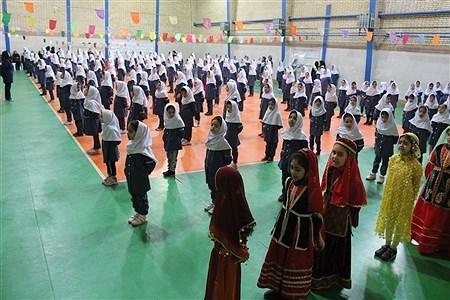 افتتاحیه ششمین دوره المپیاد ورزشی درون مدرسهای در دبستان بهار با روشن شدن مشعل این بازی ها در حضور مسئولان آموزش و پرورش برگزار شد.   | Kamali Mohammad