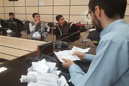 برگزاری انتخابات مجمع نمایندگان شورای دانش آموزی ناحیه 2 همدان   Zahra Maddah