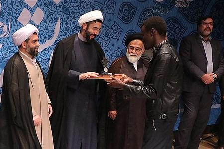 مراسم بزرگداشت روز دانشجو در پردیس بین الملل صنعتی شریف در کیش  | Amie Hossein Yeganeh