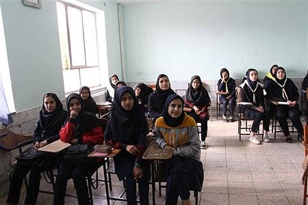 بازدید مدیرسازمان دانش آموزی  استان از کارگاههای آموزشی پیشتازان | Atiye Rasaei