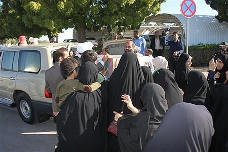 ورود پیکر مطهر دو شهید گمنام به استان هرمزگان | Mehdi Firoozi