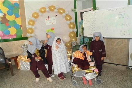 جشن تکلیف  دبستان ایثار ابرکوه برگزارشد. | rajabinejad
