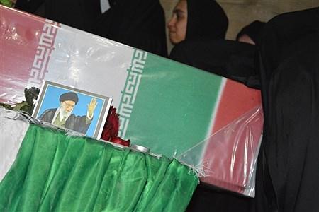 تشیع پیکر شهید گمنام در مراسم میهمانی لاله های روشن  فیروزکوه | Fatemeh shah hossieni