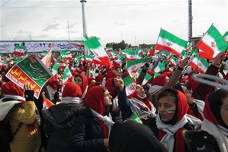 کرمانشاه (پانا) - راهپیمایی ۲۲ بهمن با حضور آحاد مردم درکرمانشاه برگزار شد. | Vahid moradi