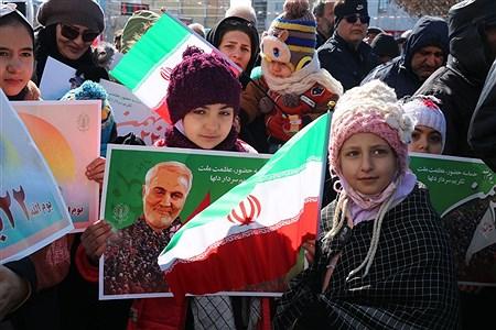 راهپیمایی پرشور مردم بمناسبت گرامیداشت یوم الله ۲۲بهمن | Tahere Feyzian