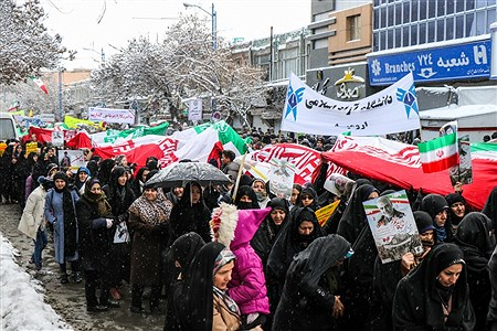 راهپیمایی باشکوه یوم الله ۲۲ بهمن در ارومیه   Amir Hosein Mollazade