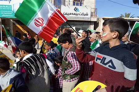 راهپیمایی 22 بهمن    Gholamreza Darvishi