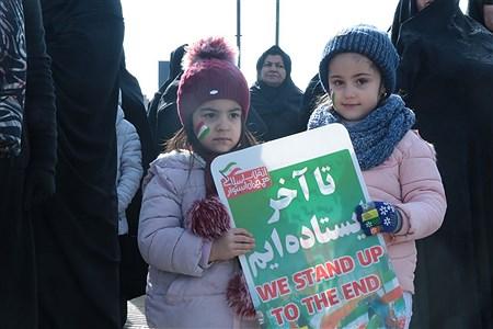 راهپیمایی 22بهمن ماه باحضور کثیری از مردم و دانش اموزان دردشهرستان شاهین دژ برگزار گردید   Shahabi_pourseyfi