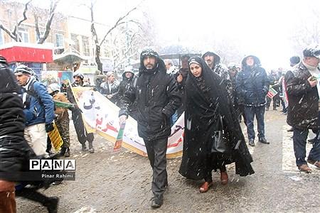 راهپیمایی 22 بهمن در تبریز  
