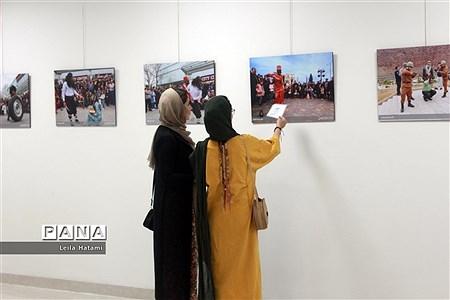 آیین افتتاح نمایشگاه عکس ششمین جشنواره سراسری تئاتر خیابانی ارس  
