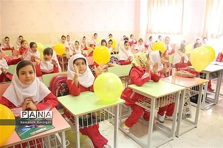 مراسم جشن شکوفهها و غنچهها در تبریز  