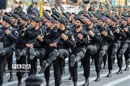 ارتش اسوه صلابت و اقتدار رژه روز ارتش در ارومیه |