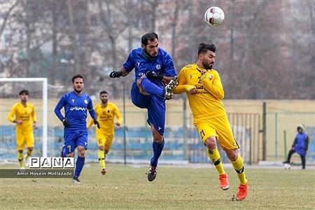 دیدار تیم های فوتبال نود ارومیه و استقلال خوزستان |