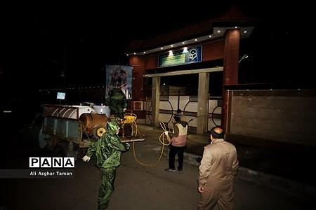 ضدعفونی چند محله ارومیه توسط جوانان بسیجی |