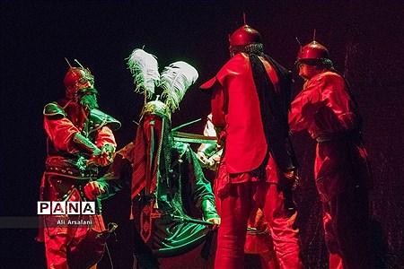 نمایش «زیر قیمت بازار» در ارومیه |