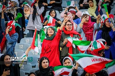 روز تاریخ؛ اولین حضور رسمی زنان در استادیوم فوتبال |