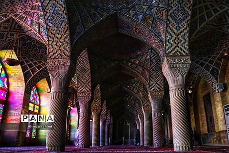 نصیرالملک؛ مسجدی از نور و رنگ |