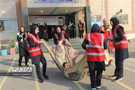 همایش پدافند غیر عامل در دبیرستان بعثت محمودآباد |