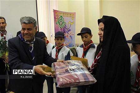 حضور رئیس آموزش و پرورش پیربکران در سازمان دانش آموزی اصفهان |