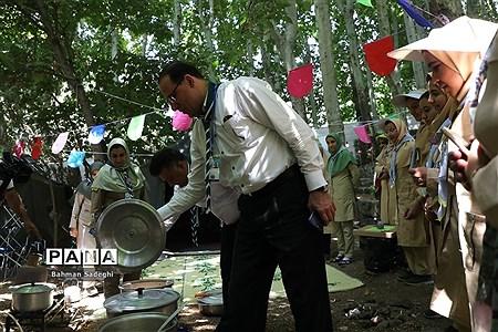 بازدید قائم مقام سازمان دانش آموزی از پخت غذا در نهمین دوره اردوی ملی پیشتازان دختر |