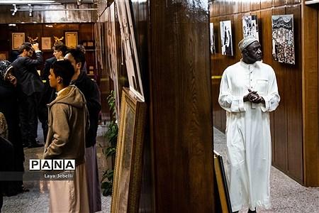بازدید شرکت کنندگان ششمین دوره مسابقات بین المللی قرآن کریم از حسینیه جماران |