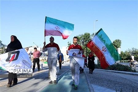 حمل پرچم مقدس جمهوری اسلامی بهمناسبت هفته مبارزه با مواد مخدر |