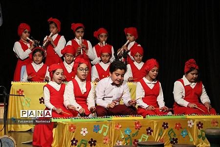 اجرای موسیقی گروه (بچههای شهر امید) در شهرستان امیدیه |